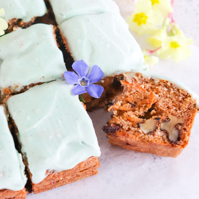 CARROT CAKE TRAY BAKE WITH VEGAN FROSTING