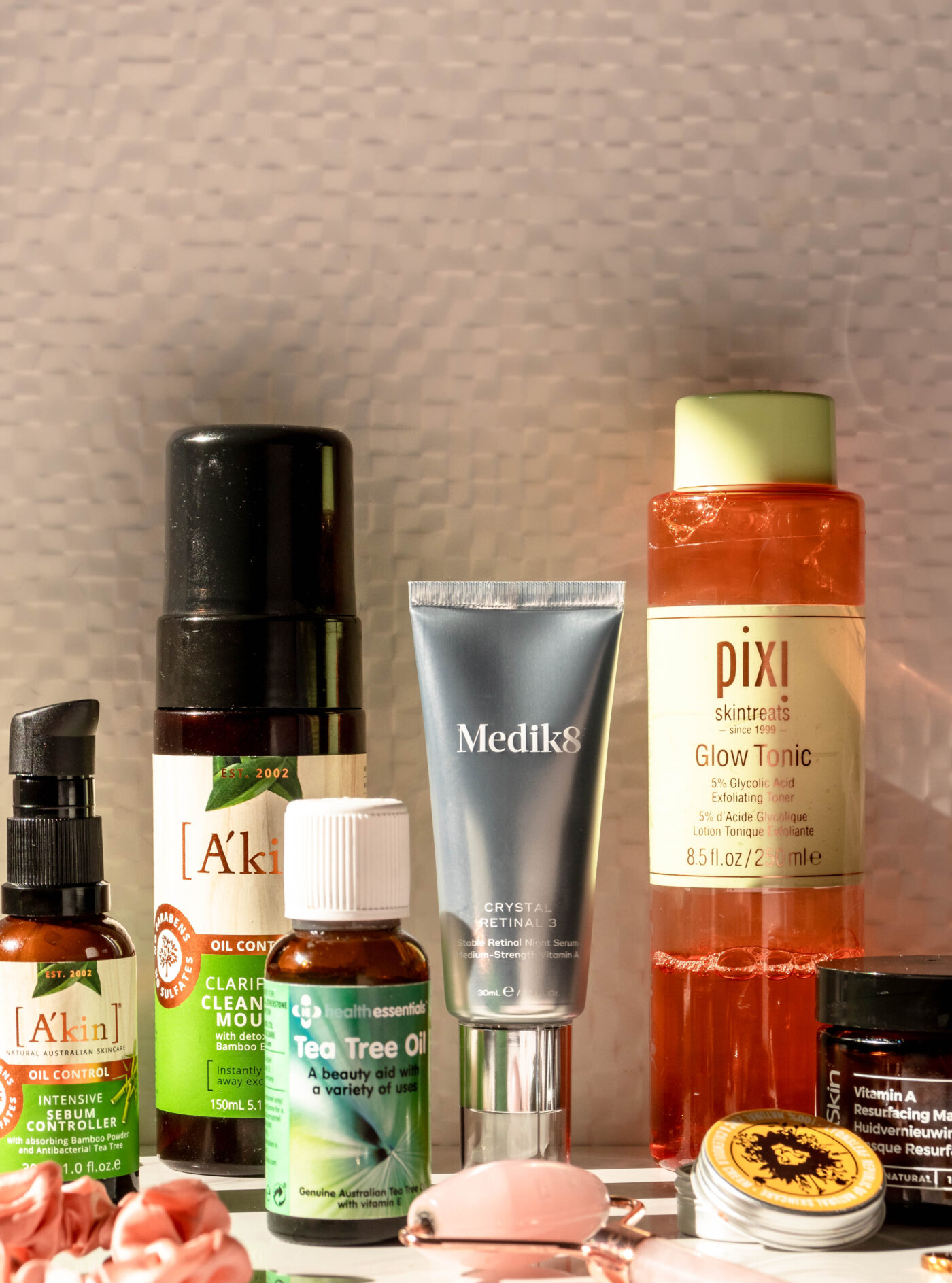 The Best and Worst Skincare Ingredients to Treat Acne