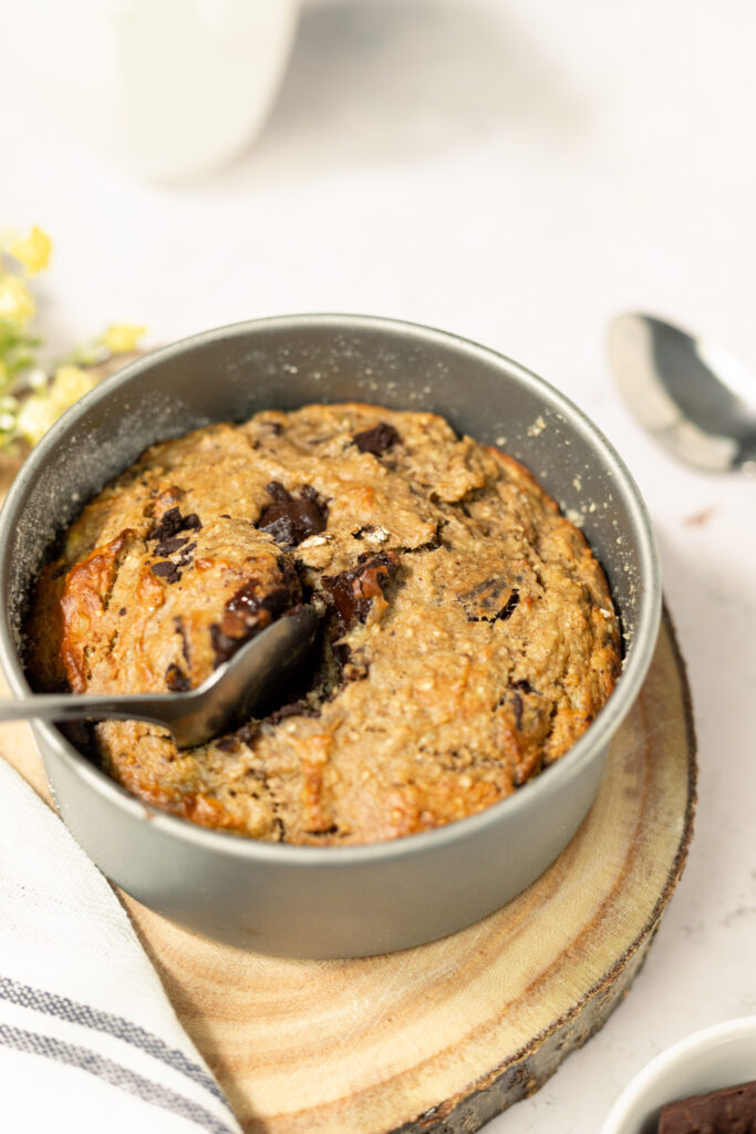 Healthy chocolate chip baked oats
